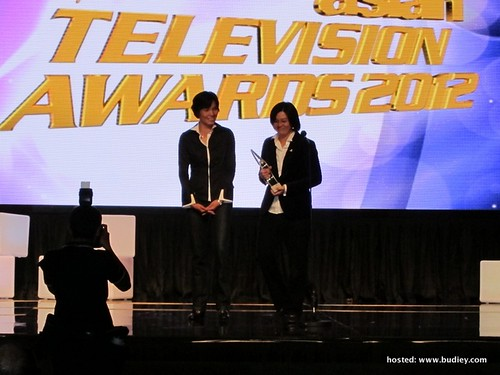 Content Supervisor & Producer of What Men Want (L-R) - Mai Fernandez & Tan Yin Yin receiving the award at the 17th Asian TV Awards Pic 1