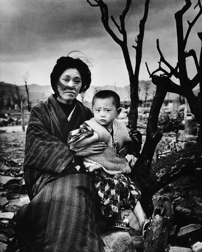 Eisenstaedt, Alfred (1898-1989) - 1945 Hiroshima, December