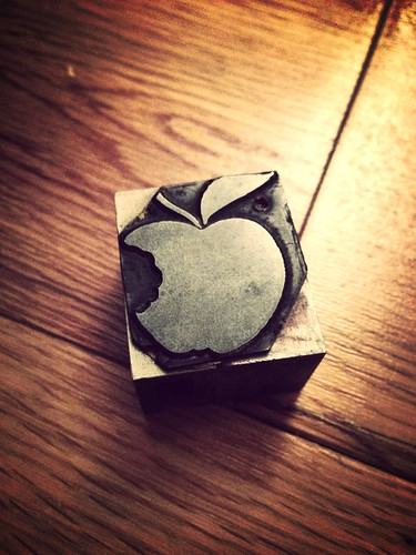 Dad also gave me this ace 'apple' type letterpress block to go in my typecase.