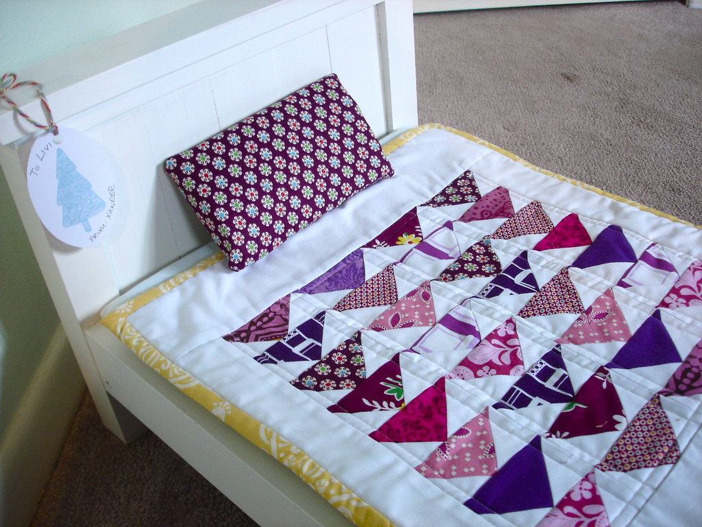 Doll bed and quilt