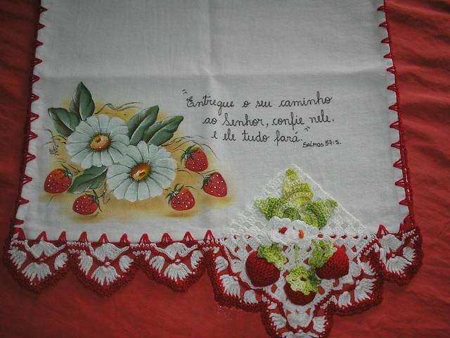 pano de prato pintado com crochê