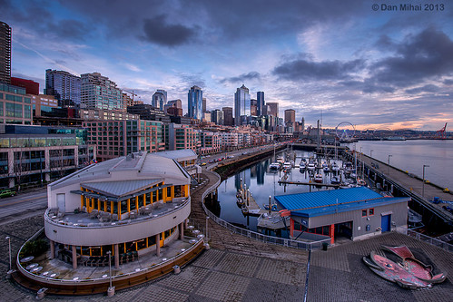 seattle city sunset sky beautiful skyline clouds marina harbor washington cityscape waterfront sundown dramatic pacificnorthwest pugetsound elliottbay washingtonstate hdr alaskanway pier66 bellharbor bellstreet photomatix bellstreetpier bellharbormarina