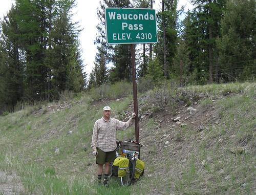 Tour 2012 day 24 - Yrs Trly at the summit of Wauconda Pass