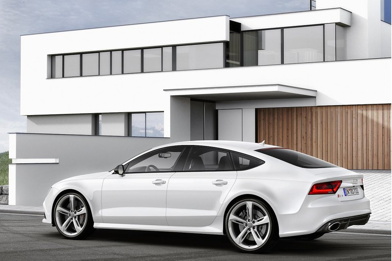 audi-rs-7-sportback-rear-side