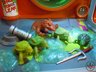 Nickelodeon  TEENAGE MUTANT NINJA TURTLES :: MUTAGEN OOZE xix / BONUS MINI TURTLES MIKE,LEO, & DON  (( 2013 ))