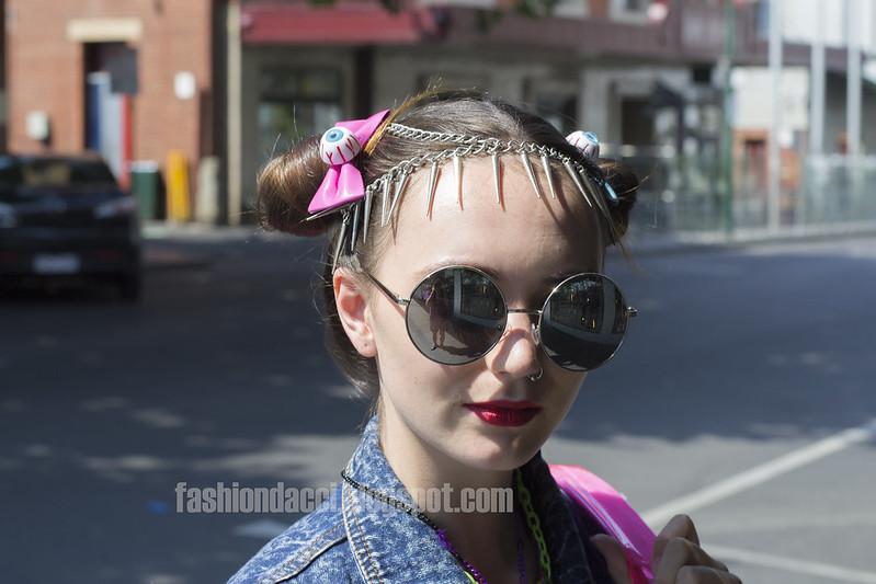 blog eyeball bow tie