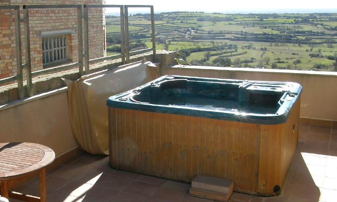 Solarium terrassa amb jacuzzi