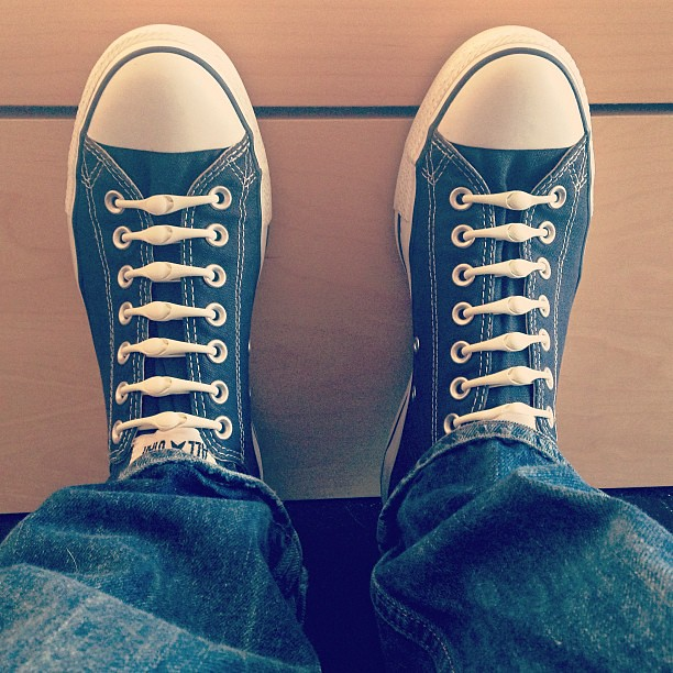 my new @hickies elastic shoe laces! Best thing EVER #hickies #converse