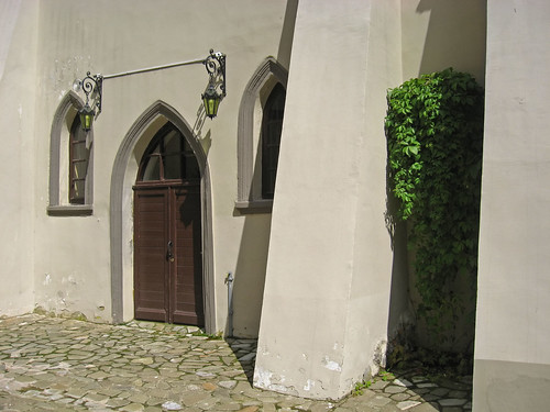 нясвіж несвиж замак замок беларусь дзверы дверь belarus castle wall door window niasvizh nesvizh nyasvizh outdoor architecture радзівілл radzivill