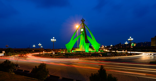 bahria town pakistan flag colours theme independence day celebrations light trails long expoure blue hour traffic road clock tower islamabad photo walk 1835mm nikon d800 ilobsterit