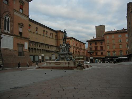 DSCN3548 _ Fontana del Nettuno, Piazza del Nettuno, Bologna, 17 October
