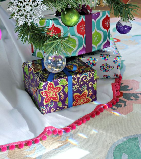 No-Sew Pom Pom Tree Skirt