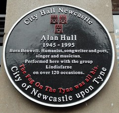 Photo of Alan Hull and Lindisfarne black plaque