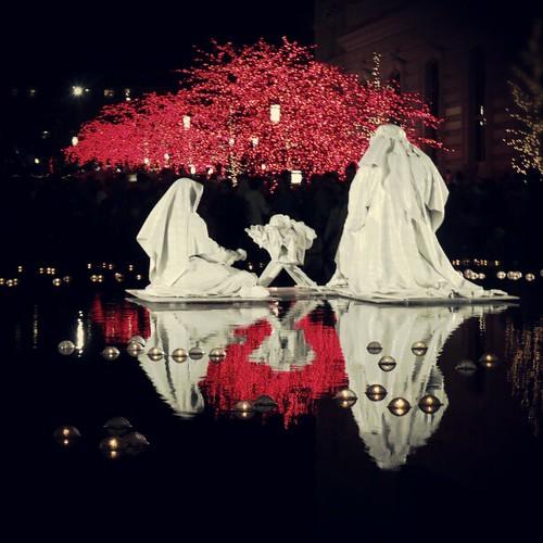Mary, Joseph and baby Jesus reflect.