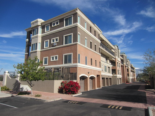 425 W Rio Salado at Regatta Pointe in Tempe