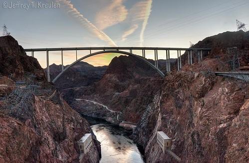 sunset arizona sky water desert dusk nevada canyon hooverdam coloradoriver electricity powergeneration mikeo'callaghan–pattillmanmemorialbridge