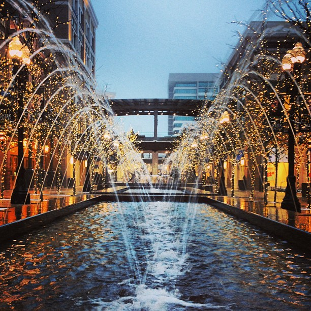 This mall is so pretty, especially in the snow! #slc #ut #snow #lights #citycreek