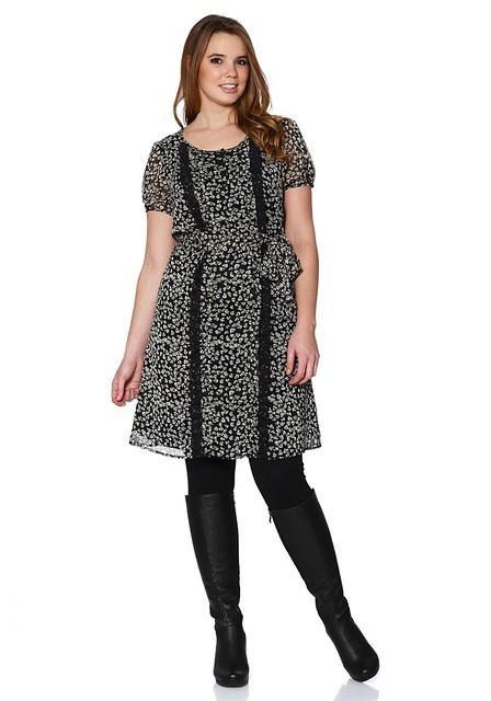 Print dress Curvissa.JPG