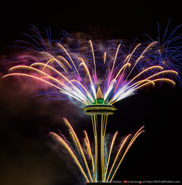 My New Favorite App >> New Years 2013: Space Needle Fireworks in Seattle | Flickr - Photo Sharing!
