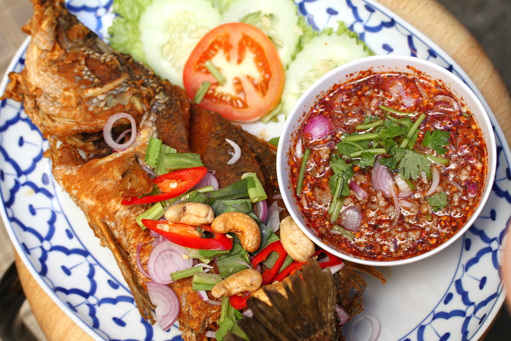 Soi Thai Kitchen: Sea Bass with Namjim Larb