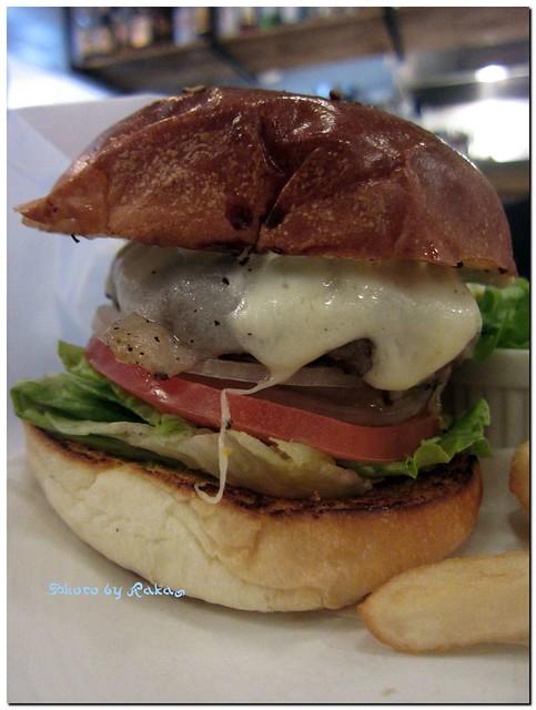 2013-01-04_ハンバーガーログブック_【広尾】BurgerManiaHiroo 年の初めはやっぱりお餅でしょ。-02