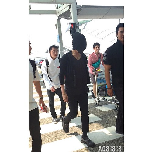 Big Bang - Incheon Airport - 29may2015 - G-Dragon - a081813 - 02