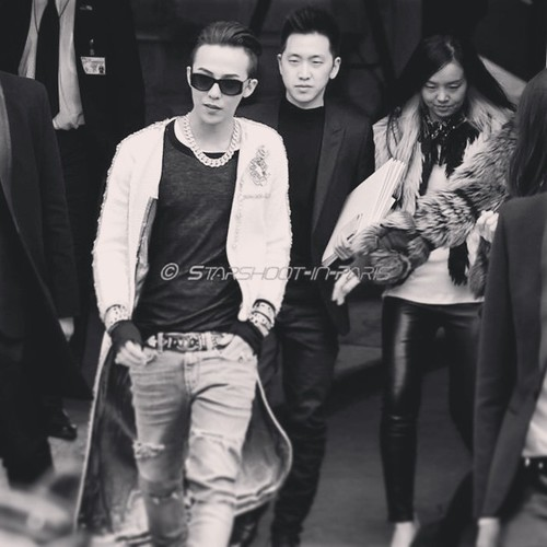 G-Dragon - Chanel Fashion Show - 27jan2015 - starshootinparis - 02