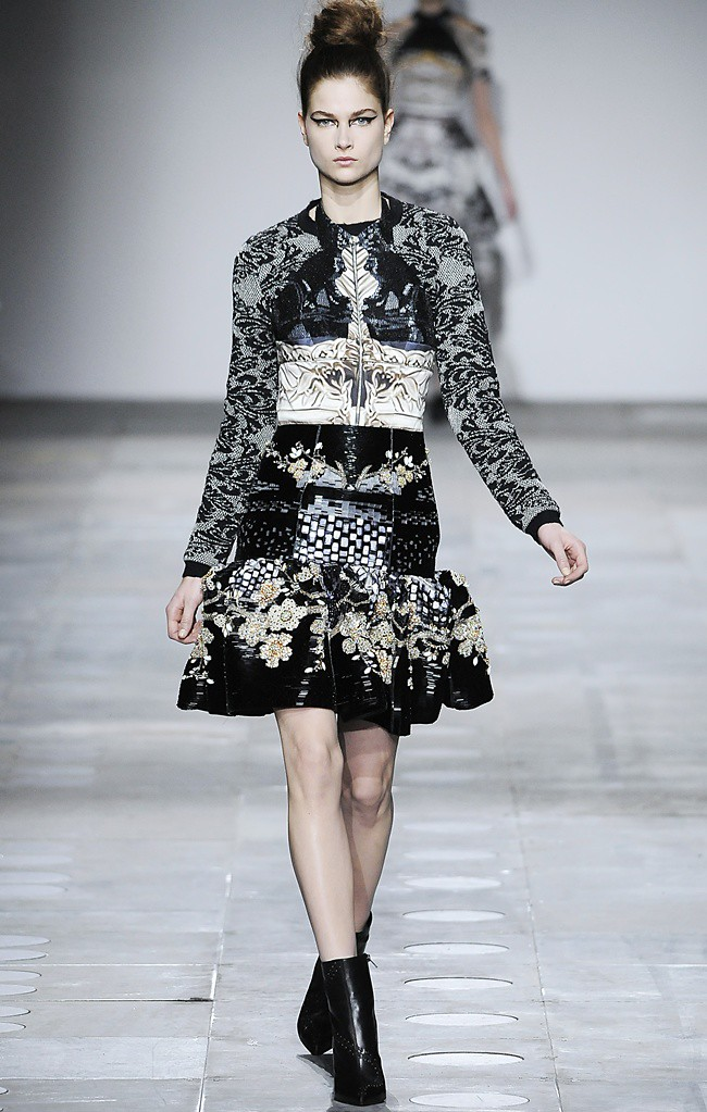 2 Mary_Katrantzou_AW12_Catwalk_Look_31_Photographer_First_View