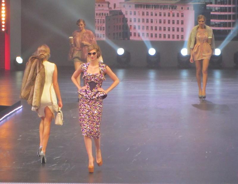 clothes show 16
