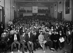 Crèdit foto: Ballell, Frederic/Arxiu Fotogràfic de Barcelona: Reunió de veïns de Sarrià en protestaper l'annexió a Barcelona, que es va produir al 1921.