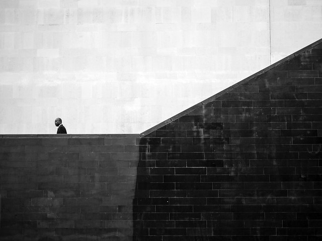 Connectivity - Minimalism in Street Photography