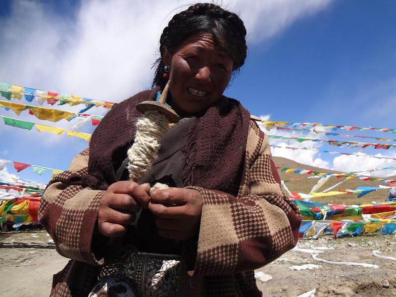Uma mulher tibetana no Tibete