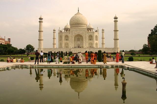 Colors around Taj Mahal