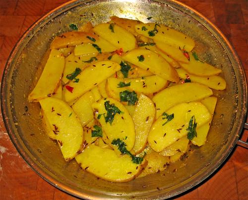 Patate al cumino - Aloo ke Gutake by fugzu