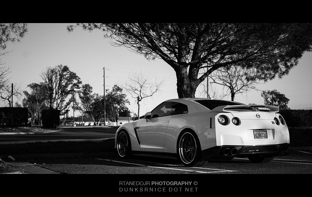 362 of 366 || GT-R B&W.