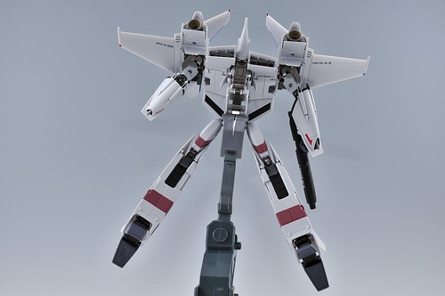 やまと 完全変形 1/60 VF-4G Lightning III バトロイド VF-1のガンポッド装備