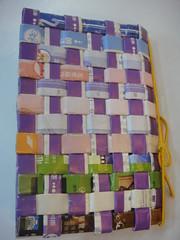 資源回收使用廢紙親手編織的精美筆記本