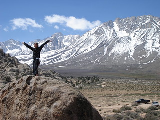 Sandy bouldering at The Buttermilks