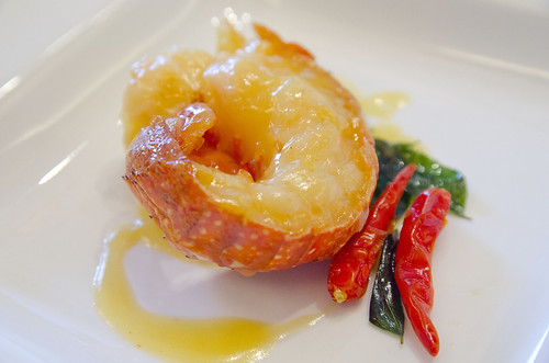 Stewed Boston Lobster Tail with Lemon Sauce