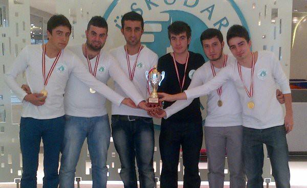 Üsküdar Üniversitesi İlk Kupasını Aldı