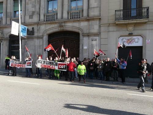 Imatge concentració FCC per discriminació sindical a Barcelona