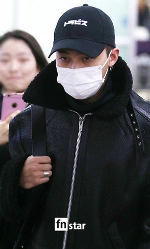 BIGBANG (wout Seungri) arrival Seoul Gimpo from Beijing 2016-01-02 (31)