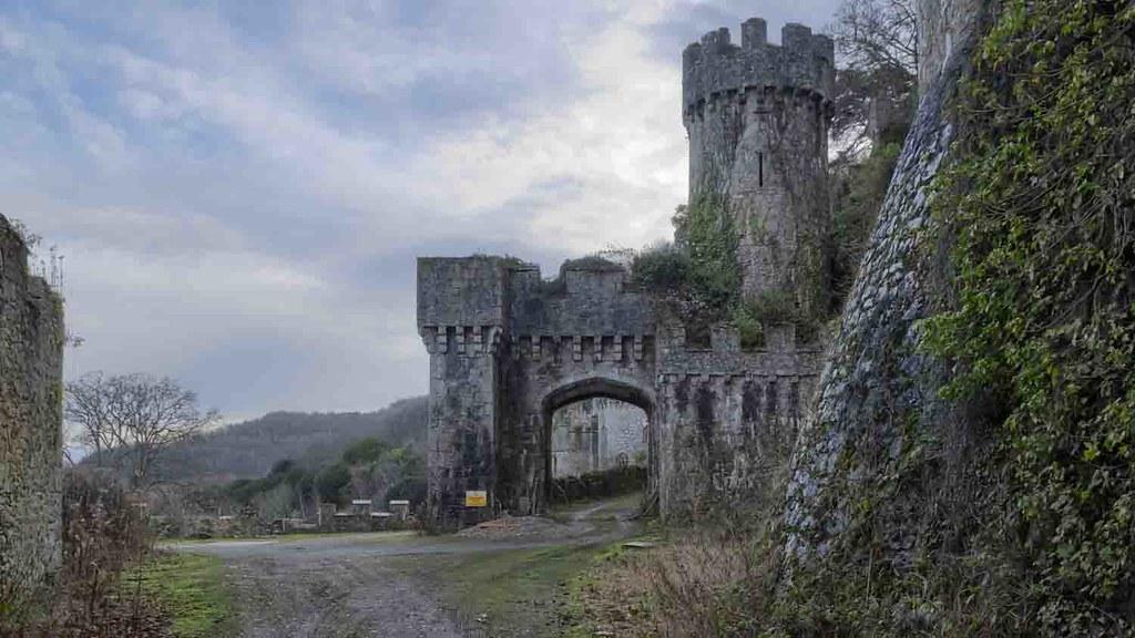 Grwych Castle 3.jpg