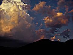 [フリー画像素材] 自然風景, 空, 雲, 朝焼け・夕焼け, 暗雲 ID:201212121800