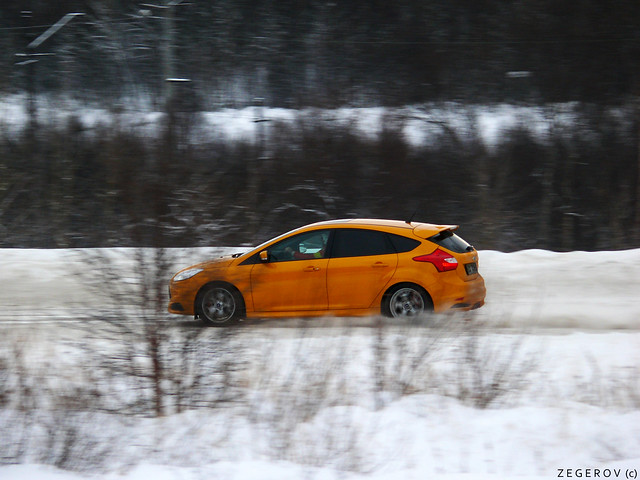 Ford Focus ST on snow