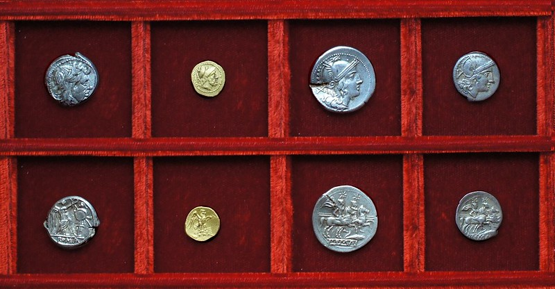 RRC 072 corn-ear gold 20 As and silver, Ahala collection, coins of the Roman Republic