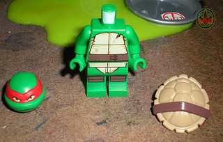 "LEGO Teenage Mutant Ninja Turtles :: ""Stealth Shell in Pursuit"" ; Raphael iii (( 2013 ))"