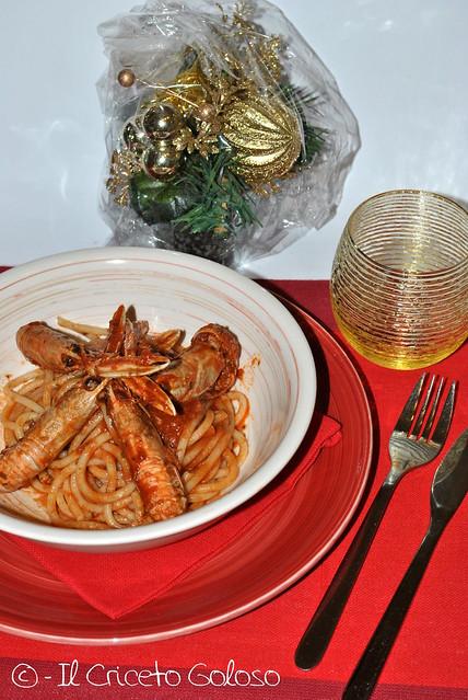 Spaghetti con sugo di scampi (2)