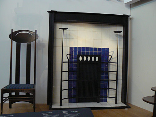 fireplace 1904 from Willow tearoom, Glasgow.jpg
