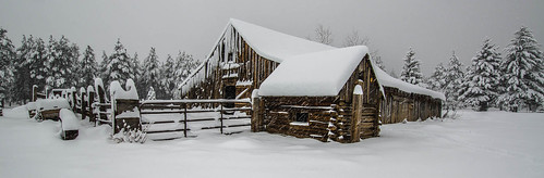 arizona snowstorm flagstaff oldbarn nikond7000 nikon1024mmlens steveflowersphotographycom photoclamtripodandbh